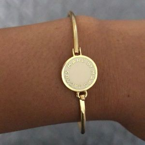 Marc by Marc Jacobs logo disc bracelet